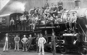 Shop forces with loco 209, ca. 1915