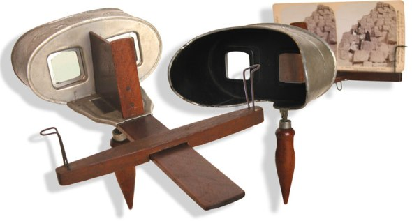 Common handheld stereoscope, designed by author Oliver Wendell Holmes around 1860.