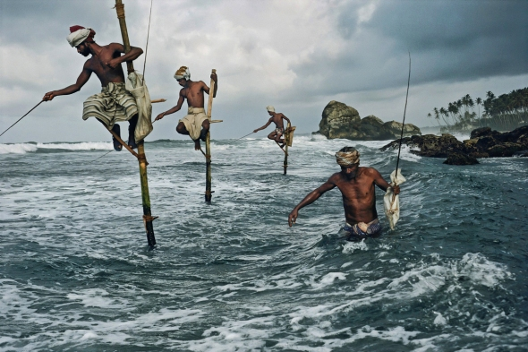 Steve McCurry - Fishermen at Weligama, South Coast, Sri Lanka, 1995